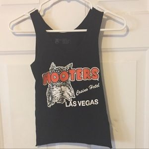 Hooters cropped tank top